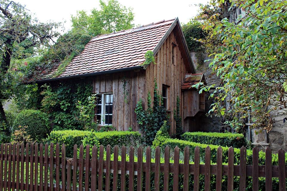 Quels sont les permis nécessaires pour installer une cabane en bois ?
